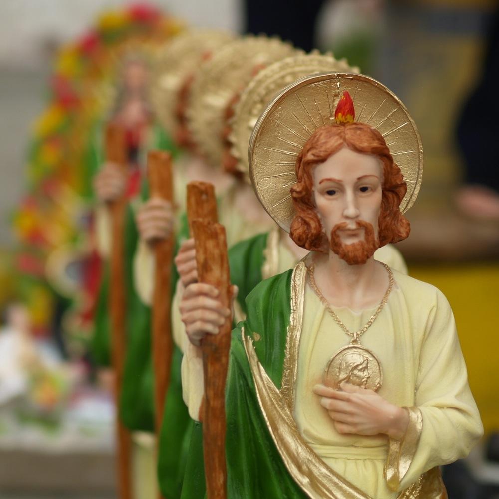 mexico s san judas packs churches with motley crowd
