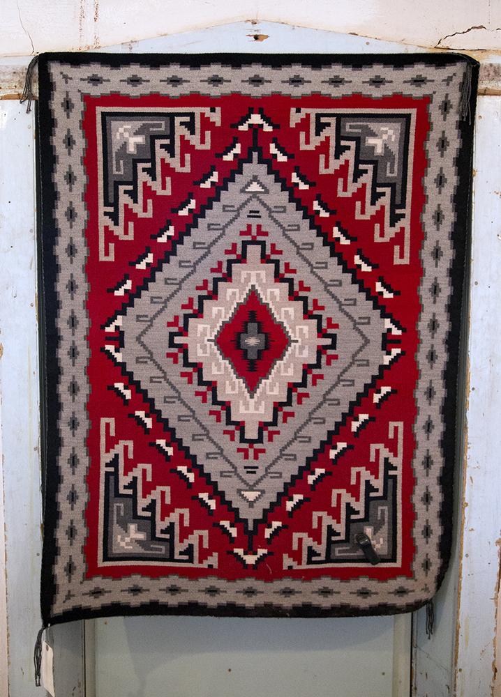Navajo Rugs Weaving A Story Of The
