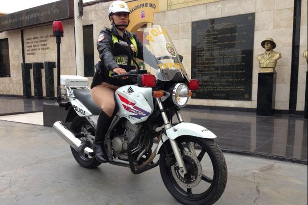 Peru's secret weapon against cop corruption: Policewomen