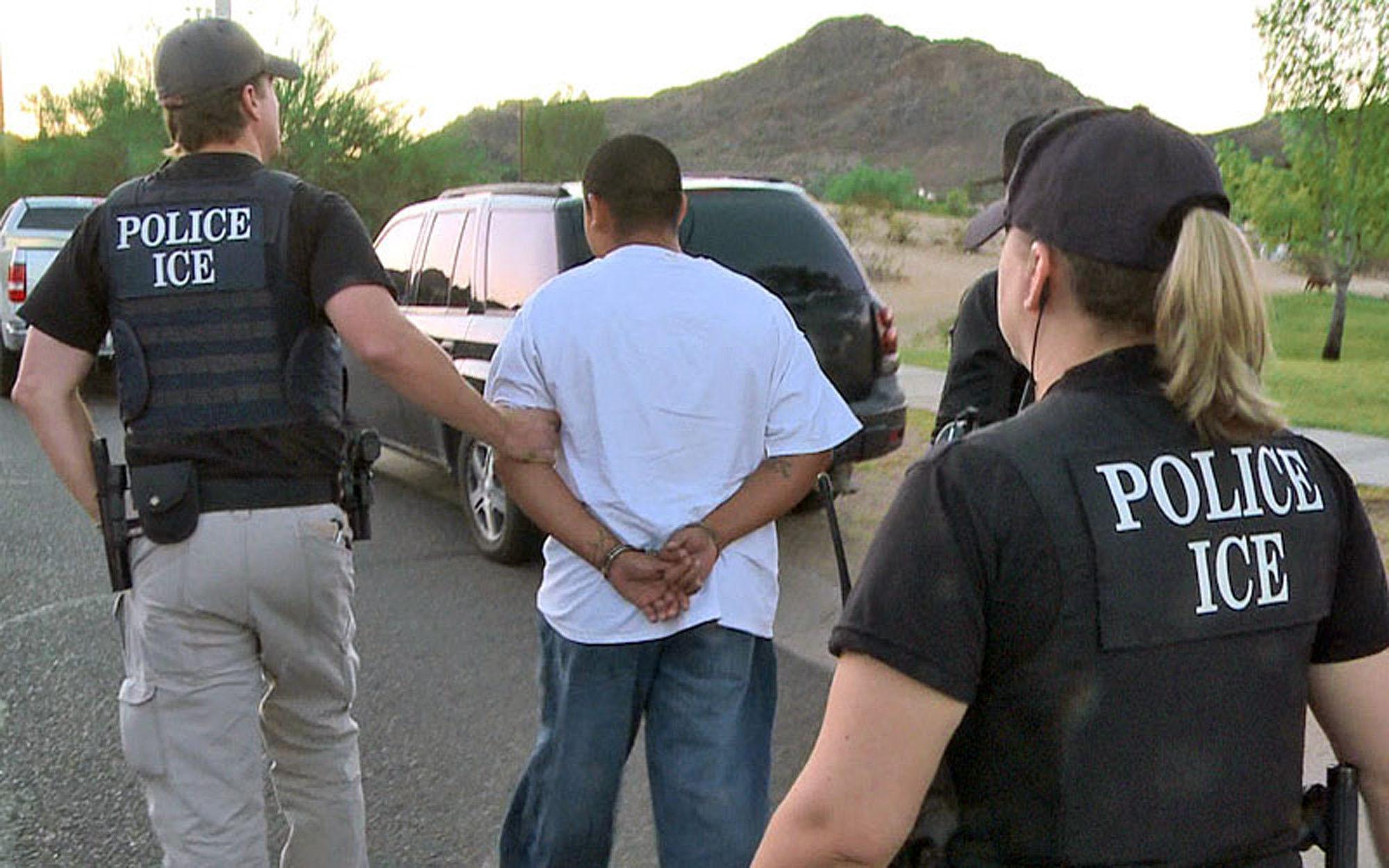 Feds try to streamline immigration case backlog