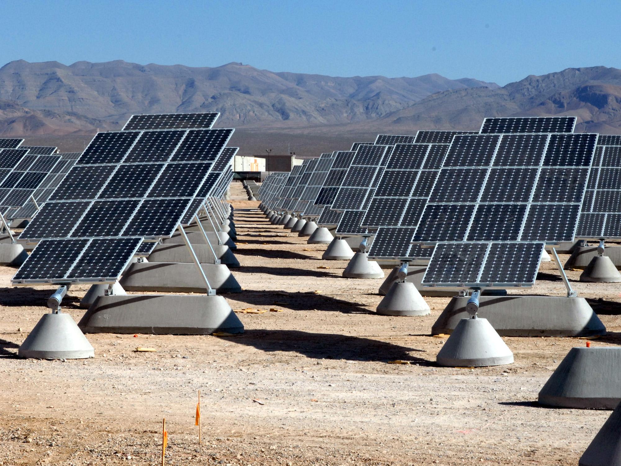 Feds spotlight 2 Az sites for solar projects