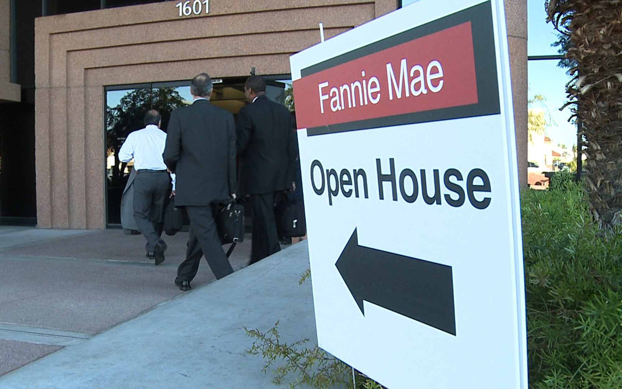 Foreclosure rate helps lure new fannie mae office to arizona