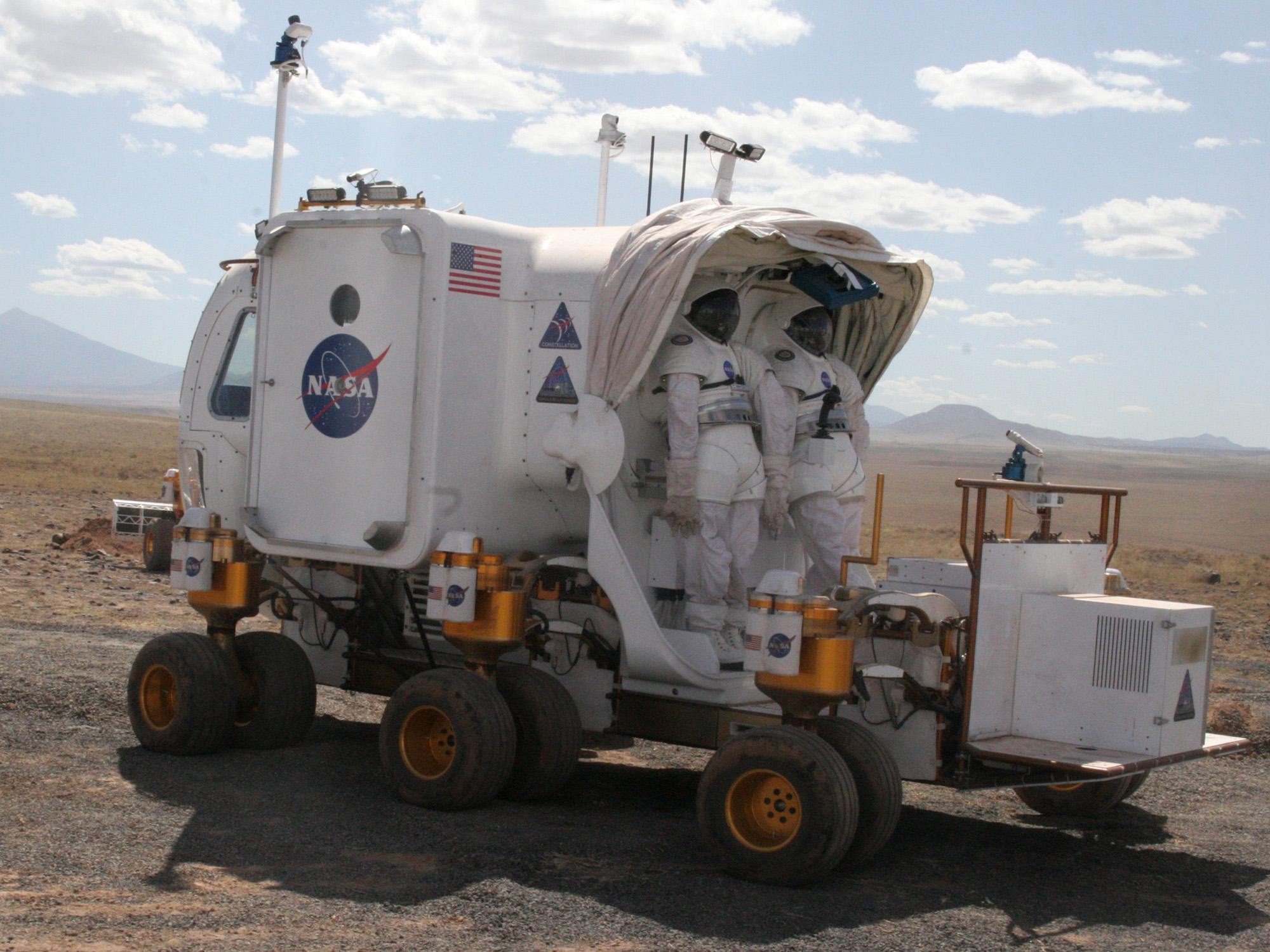NASA: Arizona will play key role in next moon mission ...