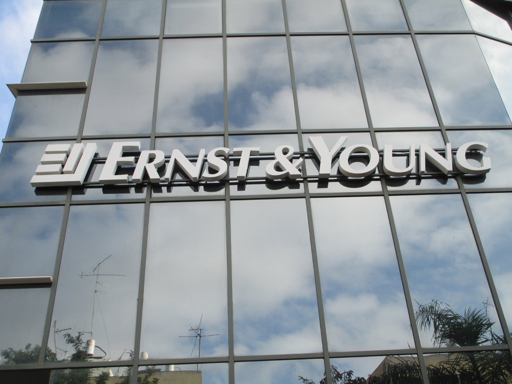 Ernst & Young opens Tucson office, plans to hire 125 staffers