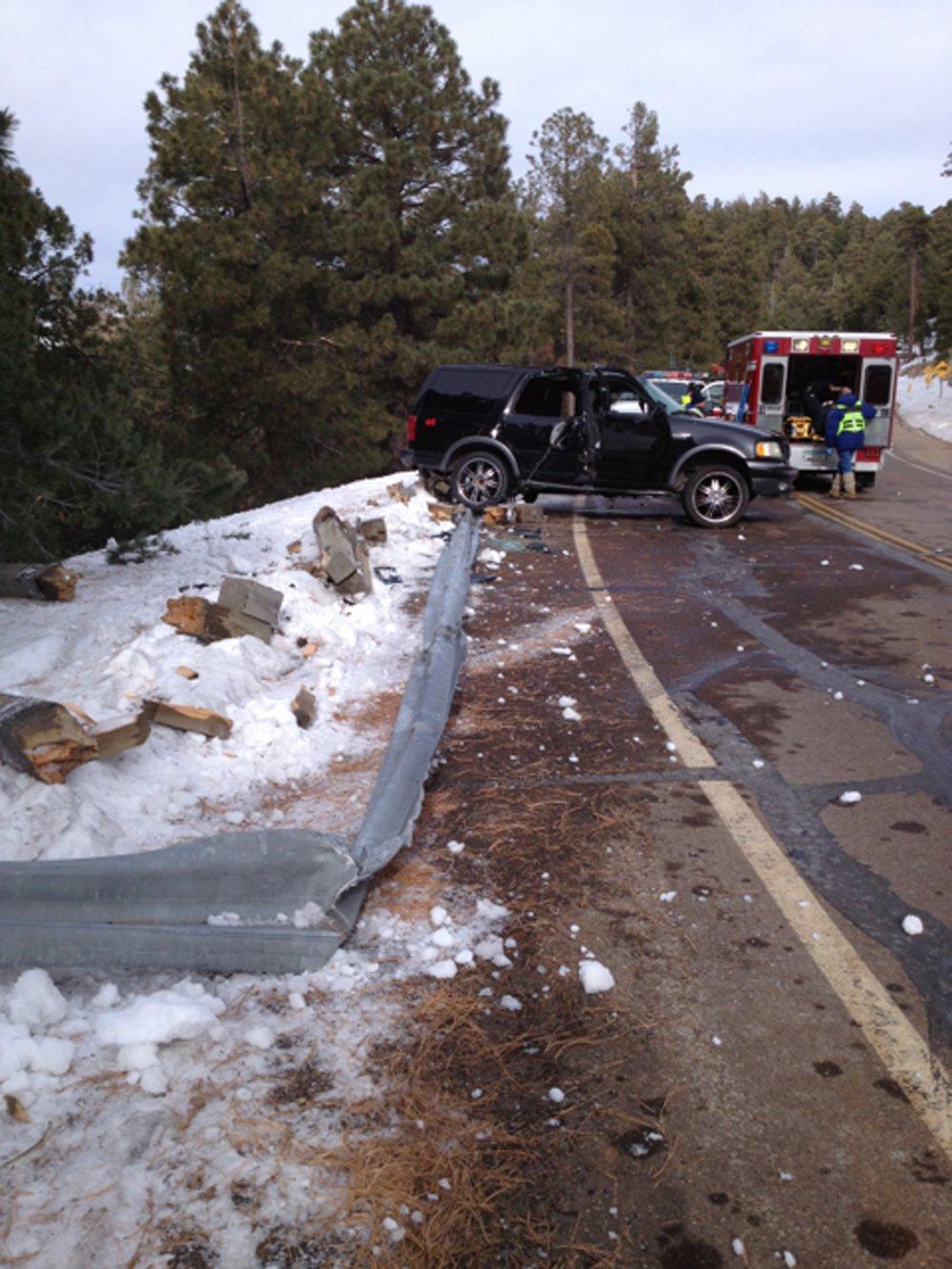 Rollover crash closes Mt. Lemmon Highway